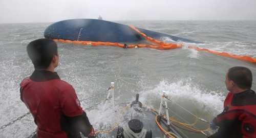 Gió to, sóng lớn, hải lưu mạnh và nước đục ngầu khiến hoạt động tìm kiếm cứn nạn phà Sewol trở nên khó khăn