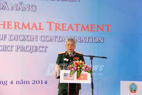 Thượng tướng Nguyễn Chí Vịnh, Thứ trưởng Bộ Quốc phòng Việt Nam phát biểu tại buổi Lễ khởi động