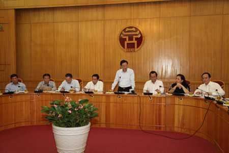 Chủ tịch UBND TP Hà Nội Nguyễn Thế Thảo phát biểu chỉ đạo tại buổi giao ban chiều 18/4