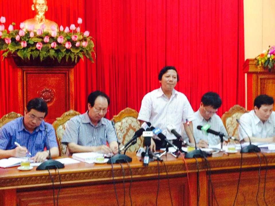 Chiều 22/4, tại Thành ủy Hà Nội, tiến sỹ Hoàng Đức Hạnh – Phó giám đốc Sở Y tế Hà Nội đã giải trình các thắc mắc liên quan tới đợt bùng phát bệnh sởi ở Hà Nội trong thời gian gần đây.