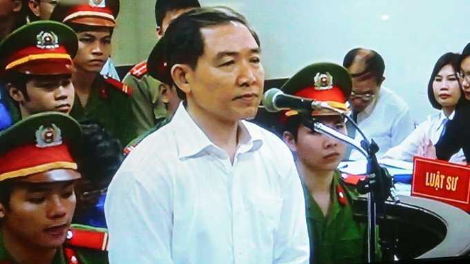 Dương Chí Dũng tươi tắn tại phiên tòa phúc thẩm
