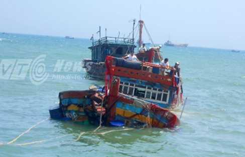 Thời gian qua nhiều tàu cá của ngư dân Việt Nam liên tục bị tàu Trung Quốc đâm chìm khi đang hành nghề trên biển