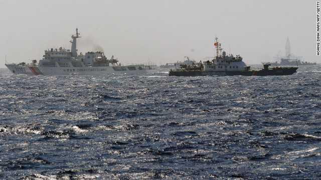 Tàu Trung Quốc cản trở tàu chấp pháp Việt Nam làm nhiệm vụ tại khu vực Trung Quốc hạ đặt trái phép giàn khoan Hải Dương 981