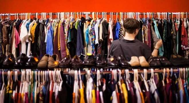 Quần áo được bày bán ở Trung Quốc