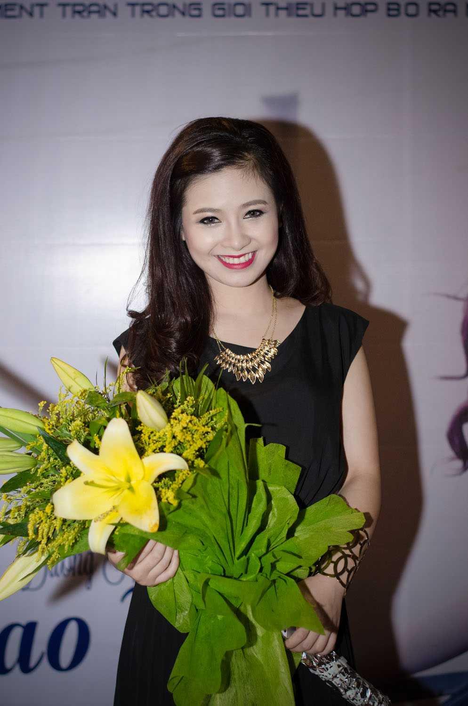Dương Hoàng Yến trong ngày ra măt MV