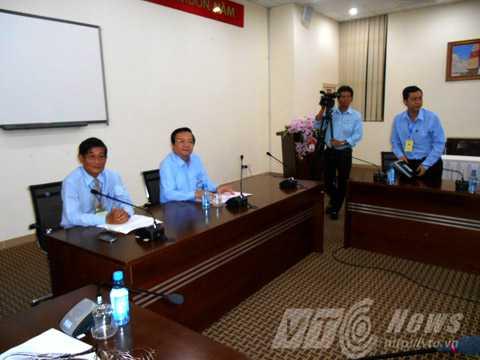 Lãnh đạo Sở GD-ĐT TPHCM họp báo chiều ngày 2/6. Ảnh: Huy Phan