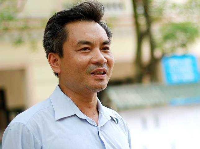 Anh Nguyễn Sơn Tùng vui vẻ chia sẻ với phóng viên (Ảnh: Hải Nguyễn)
