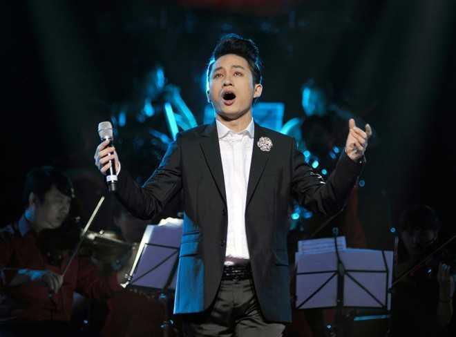 Tùng Dương sống sạch, chuyên tâm cho âm nhạc, không quá rầm rộ vẫn nhận được cát-xê không thua kém ai.