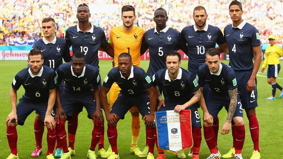 Đội hình chính của tuyển Pháp trong trận đấu đầu tiên tại World Cup 2014