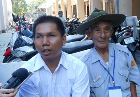 Thí sinh khiếm thị tên Trần Phú (SN 1988)được ĐH Đà Nẵng đặc cách tuyển thẳng vào khoa Tâm lý giáo dục, trường ĐH Sư phạm Đà Nẵng.