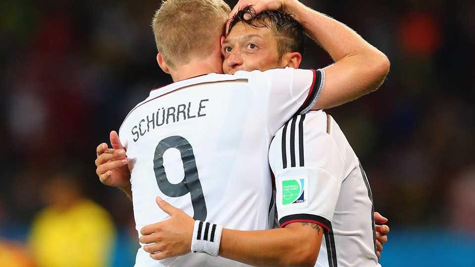 Mesut Ozil cần một người đồng đội có tốc độ tốt hơn