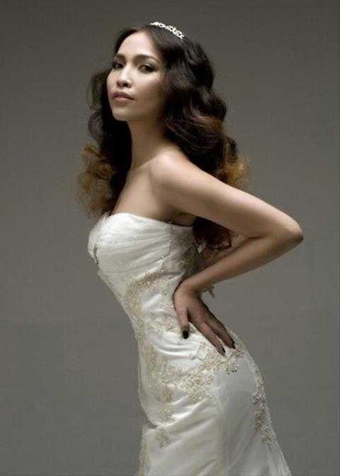 Nữ ca sỹ Hiền Thục có chiều cao khá khiêm tốn so với các mỹ nhân làng giải trí - 1m58.