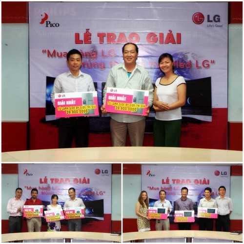 Đại diện Công ty Cổ phần Pico trao thưởng cho các khách hàng trúng giải Nhất, nhì, ba.