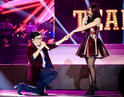 Dù quỳ gối tỏ tình Thanh Thảo trên sân khấu, chị              Chanh vẫn không ngại làm 'khó' đồng nghiệpkhi công khai danh sách những              người tình của Búp bê