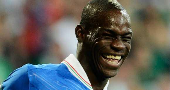 Balotelli luôn thể hiện được tính cách 'khó đỡ' ở bất cứ đâu