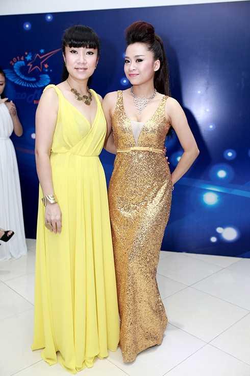Võ Thùy Dương cũng chính là NTK cho Ca sỹ triển vọng Đỗ Thanh Ngọc.