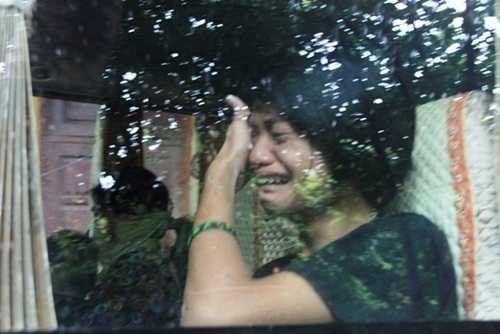 Nước mắt rơi trong ngày rời khỏi chùa Bồ Đề (Ảnh: Minh Chiến)