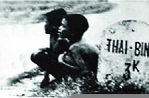 Cây số 3 trong nạn đói Ất Dậu 1945 (Ảnh: Võ An Ninh)