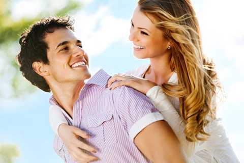 Đàn ông khoe khoang không gây ấn tượng tốt với phụ nữ. (Ảnh minh họa)