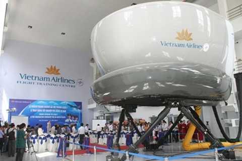Thiết bị mô phỏng buồng lái máy bay A320-321 tại trung tâm huấn luyện bay của Vietnam Airlines đặt tại TP HCM