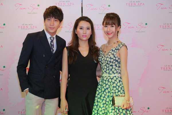 Bê Trần và Quỳnh Anh Shyn thân thiết bên nhau