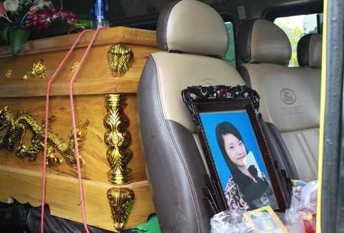 Trong số 12 nạn nhân vụ tai nạn, nhiều người còn là sinh viên đại học. Ảnh: Quỳnh Trang.