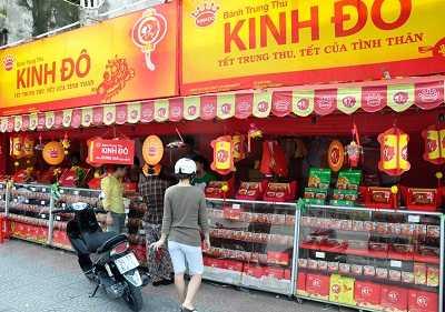 Các quầy bánh trung thu mọc lên như nấm trên các tuyến phố Hà Nội