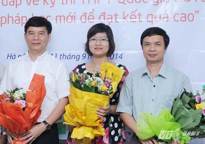Từ trái qua phải là các khách mời: Ông Trần Văn Nghĩa, cô Phạm Thị Thu Phương, ông Trần Văn Kiên