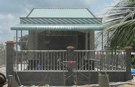 Bị lập biên bản đình chỉ và xử phạt từ tháng 8/2014 nhưng căn nhà đã hoàn thành và đưa vào sử dụng. Ảnh: HM