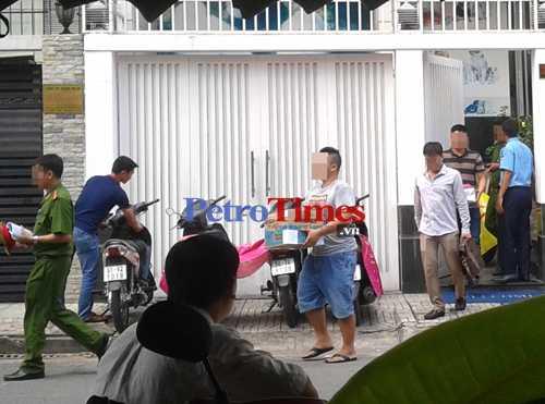 Việc khám xét nhà của Nguyễn Anh Tuấn kết thúc vào lúc 13h30 ngày 7/10.