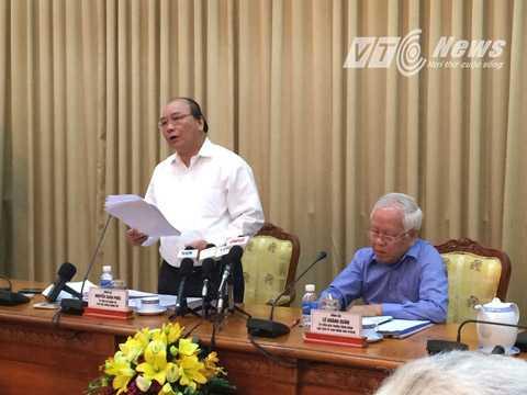 Phó Thủ tướng Nguyễn Xuân Phúc chỉ đạo các cơ quan chức năng phối hợp xử lý, đấu tranh các loại tội phạm đạt hiệu quả cao. Ảnh: Phan Cường