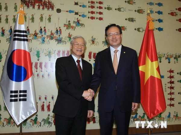 Tổng Bí thư Nguyễn Phú Trọng gặp Chủ tịch Quốc hội Hàn Quốc Chung Ui Hwa - Ảnh: TTXVN