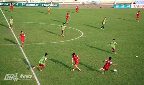 U19 Viêt Nam chia đội hình làm 2, tập bài chiến thuật chống U19 Hàn Quốc