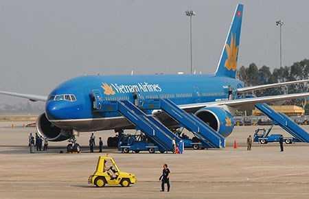Một số ý kiến vẫn đề nghị nên chọn phương án cải tạo, mở rộng sân bay quốc tế Tân Sơn Nhất để tiết kiệm được chi phí đầu tư hơn là xây dựng một sân bay hoàn toàn mới. Ảnh: HTD