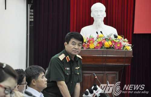 Trung tướng Võ Văn Tuấn cho rằng: 'Nếu chúng ta tăng công suất của sân bay Tân Sơn Nhất thì sẽ xung đột giao thông trên bầu trời với sân bay Biên Hòa' (Ảnh: Minh Chiến)