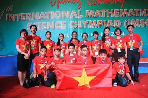 Đoàn Việt Nam tại lễ trao giải cuộc thi