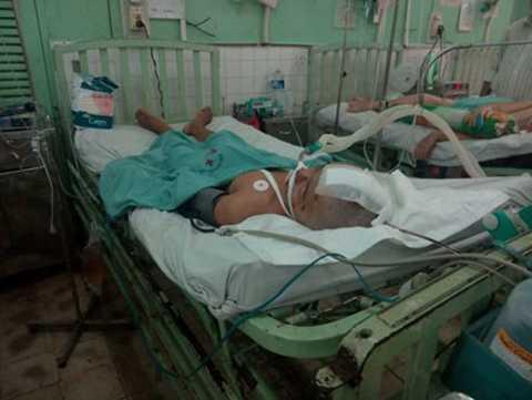 Nạn nhân Thiện khi được cấp cứu tại Bệnh viện Đa khoa Đồng Nai.