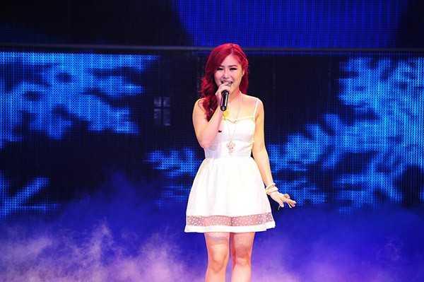 Hương Tràm là một trong những ca sĩ Việt gặp khó khăn khi hát 'Let it go'.