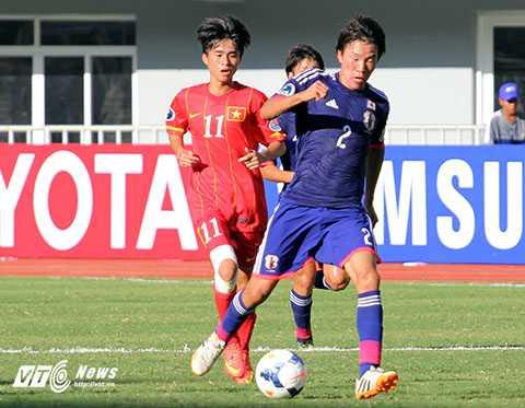 Phan Thanh Hậu(11) đá chính trận U19 Việt Nam-U19 Nhật Bản (Ảnh: Nhạc Dương)