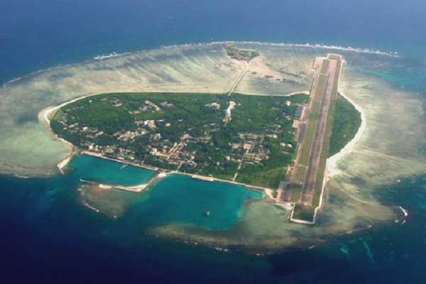 Đường băng Trung Quốc xây dựng trái phép trên đảo Phú Lâm, thuộc huyện đảo Hoàng Sa, Việt Nam
