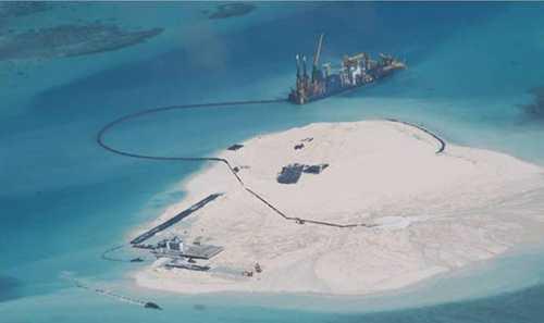 Trung Quốc cải tạo đất phi pháp trên bãi Gạc Ma, quần đảo Trường Sa của Việt Nam