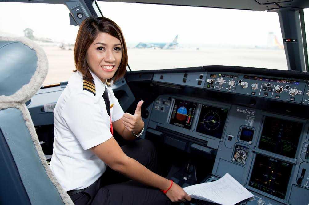 Antonette Parucha tâm sự, cô chưa từng nghĩ mình sẽ ra nước ngoài làm việc, nhưng khi cơ hội đến, cô đã nộp đơn và được tuyển làm phi công của Vietjet Air.
