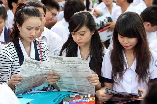 Nhiều chuyên gia giáo dục cho rằng chỉ nên duy trì cụm thi do các trường đại học tổ chức và nâng số lượng cụm thi để đảm bảo thuận lợi cho thí sinh
