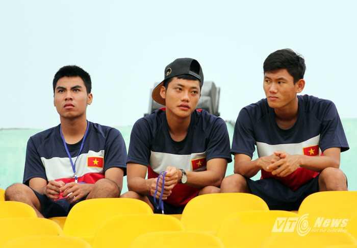 Đức Huy, Lâm Ti Phông, Văn Long trong màu áo U21 VN (Ảnh: Nhạc Dương)