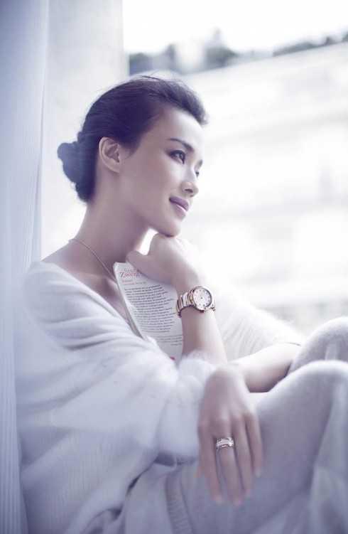 Thư Kỳ xinh đẹp trong mẫu quảng cáo.