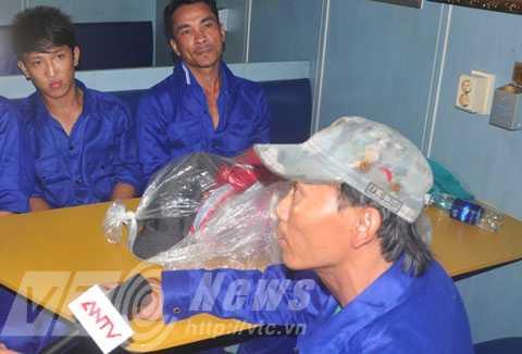 Thuyền trưởng tàu cá BĐ 95393 TS, Võ Văn Lẫy bàng hoàng kể lại sự việc
