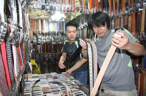 """Trần Thanh Ngọc Trọng (phải) từng được biết đến dưới cái tên """"VĐV nhảy cao Trần Ngọc Thịnh"""""""
