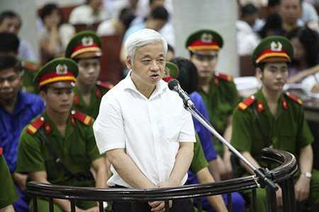 Bị cáo Kiên tại phiên tòa sơ thẩm đầu tháng 6. Ảnh: Hoàng Quân