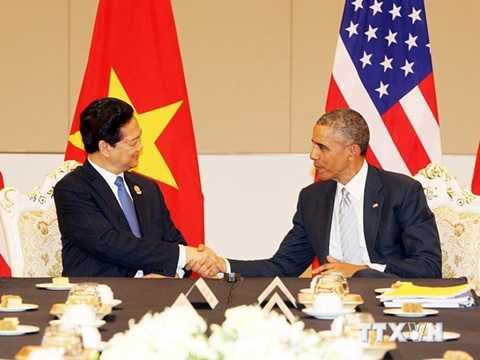Thủ tướng Nguyễn Tấn Dũng gặp chính thức Tổng thống Hoa Kỳ Barack Obama, bên lề Hội nghị Cấp cao ASEAN lần thứ 25 và các hội nghị liên quan