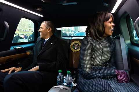 Tổng thống Obama và phu nhân trong chiếc xe đặc biệt